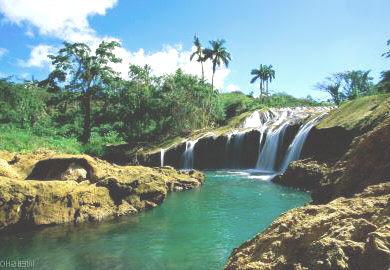 Cuba pinar del rio soroa s orchid garden and waterfall for Cascadas de jardin fotos