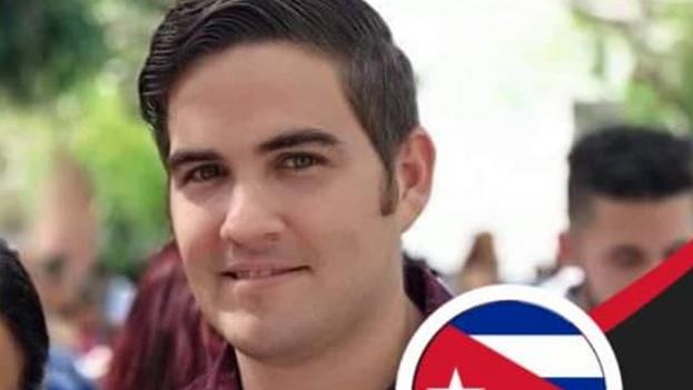 """""""En caso de que no logre recuperar mi trabajo, intentaré sacar una patente para dar clases particulares"""", dijo Martínez Espinosa. (Facebook)"""